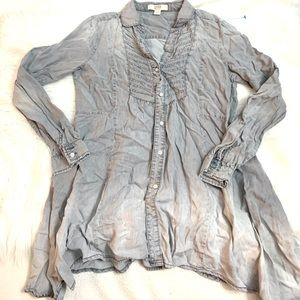 American Vintage Distressed denim blouse